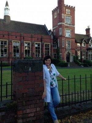 Sugar Mummy in United Kingdom Looking for Ben 10